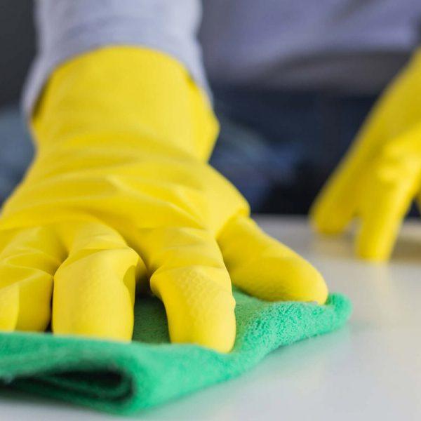 Productos para limpiar manchas en las paredes